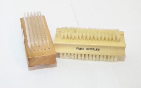 Kartáček na ruce oboustr.dřevo č.01249/17811
